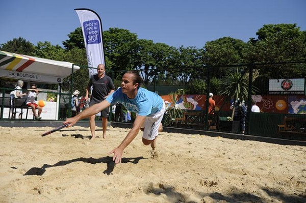 Beach tennis à Roland Garros