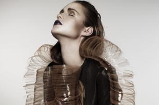 La styliste Iris Van herpen expose ses créations futuristes
