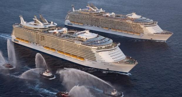 Les deux paquebots de Royal Caribbean, l'Oasis of the Seas et l'Allure of the Seas, sont les plus gros du monde actuellement.