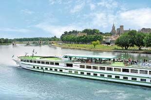 Notamment, la compagnie CroisiEurope propose des croisières sur le Rhône et la Saône.
