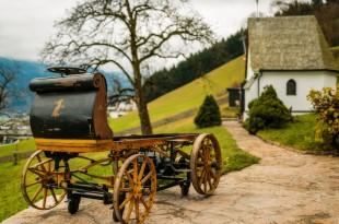 P1, premier véhicule construit par Porsche. Elle était dotée d'un moteur électrique.