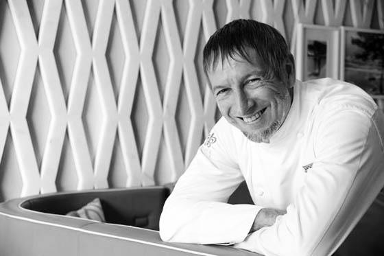 Si il a imposé le 100% bio dans le restaurant Elsa, Paolo Sari gère l'ensemble des restaurants du Monte-Carlo Beach, à savoir le Deck, la Vigie et le Sea Lounge.