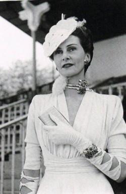 Helene-Arpels-1939-GLOVES