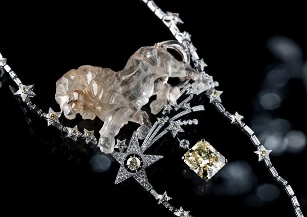 La présence du lion dans les bijoux de haute joaillerie de Chanel avait déjà été expérimentée l'année passée.