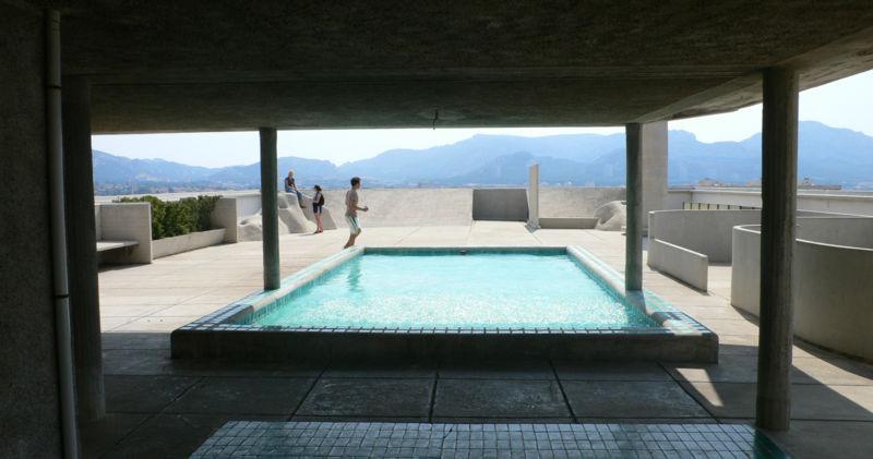 La Cité Radieuse, monument phare de Marseille - piscine