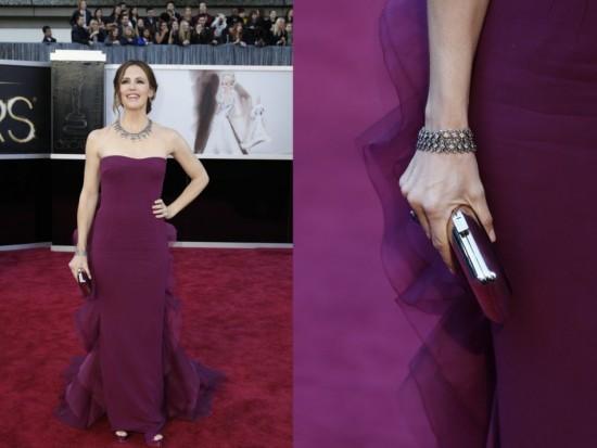Jennifer Garner, collier et bracelet en diamants et or noir par Neil Lane