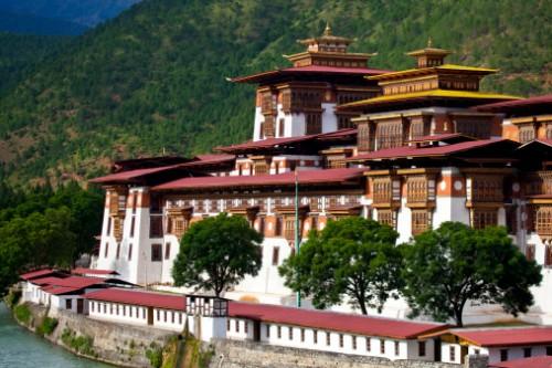 Exceptionnel voyage sur mesure au Bhoutan, pays de montagnes et de temples bouddhistes.