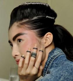 bague à ongle de Chanel + Via prestige lifestyle +7