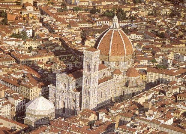 Le Duomo Santa Maria del Fiore est la troisième plus grande cathédrale du monde.