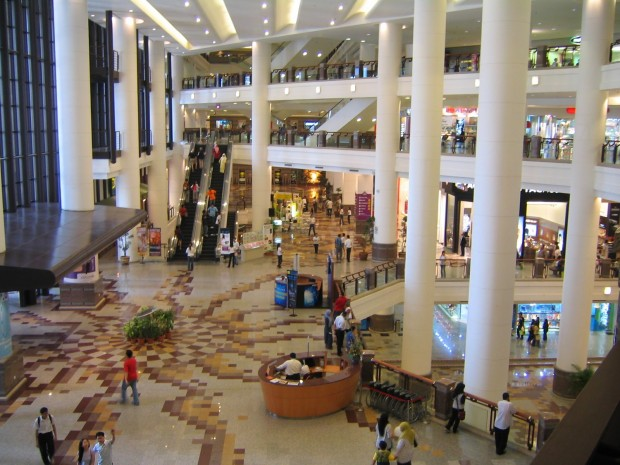 Le Golden Resources Mall compte plus de 1000 boutiques et 230 escalators.