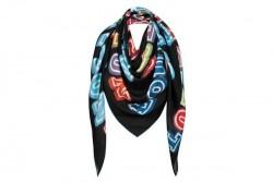 Le nouveau foulard Louis Vuitton
