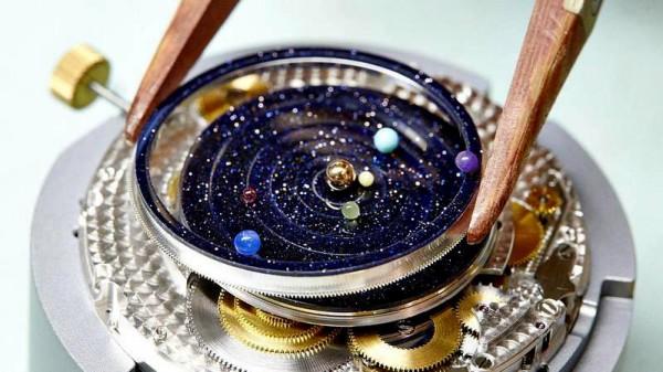 montre-poetique-Midnight-Planetarium-viaprestige-3