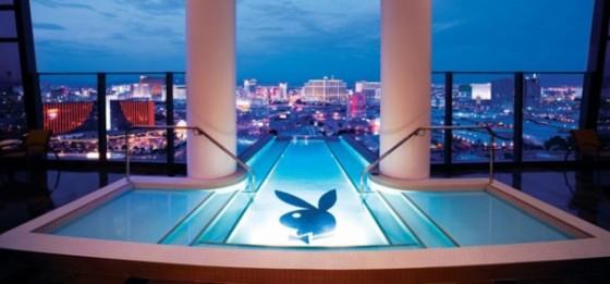 piscine-incroyable-de-Hugh-Hefner-Sky-Villa-au-Palms-Hotel-de-Las-Vegas