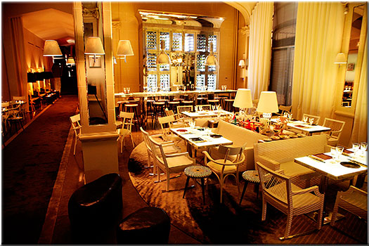 les plus beaux restaurants sign s philippe starck. Black Bedroom Furniture Sets. Home Design Ideas