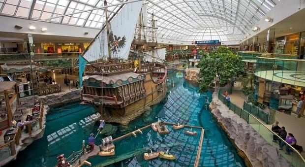 A l'intérieur du West Edmonton Mall se trouve un parc aquatique pour toute la famille.